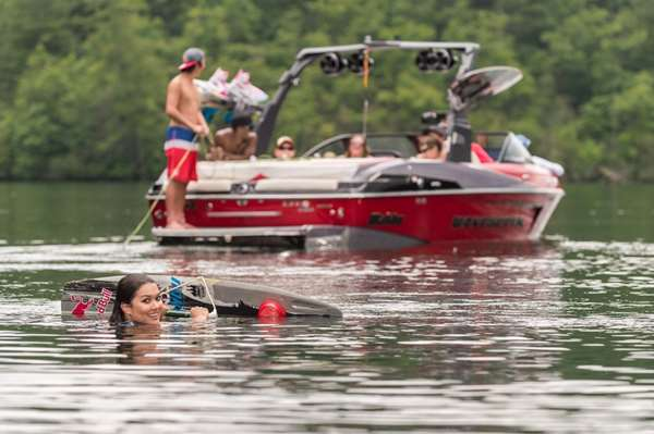 2016-23LSV_lifestyle-wakeboard2_lowres